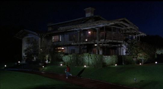 Back_To_The_Future,_Doc_Brown's_house_-_panoramio Free use allowed
